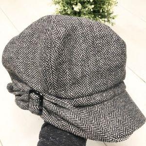 6a56334b9154a Nine West · 🌷NINE WEST Newsboy grey wool blend buckle hat